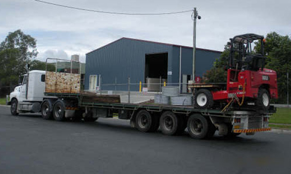 Semi 26Tonne Trucks with Forklift